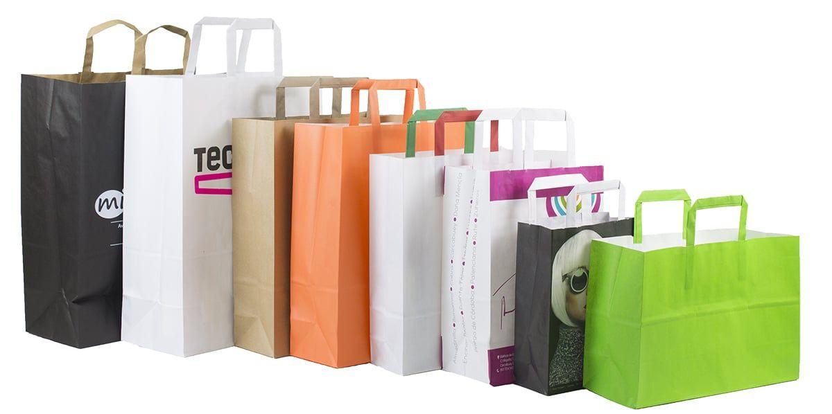 Bolsas de papel kraft personalizadas en color blanco y varios colores más. Estas bolsas pueden entregarse en papel de 80 g/m² o bien en 100 g/m². Las bolsas son completamente personalizadas y se imprimen en serigrafía o pueden entregarse lisas